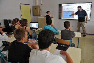 Nouvelles technologies et équipement des collèges
